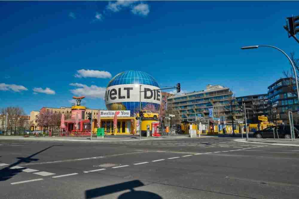 Aufstieg mit einem der größten Fesselballone der Welt in Berlin in Deutschland