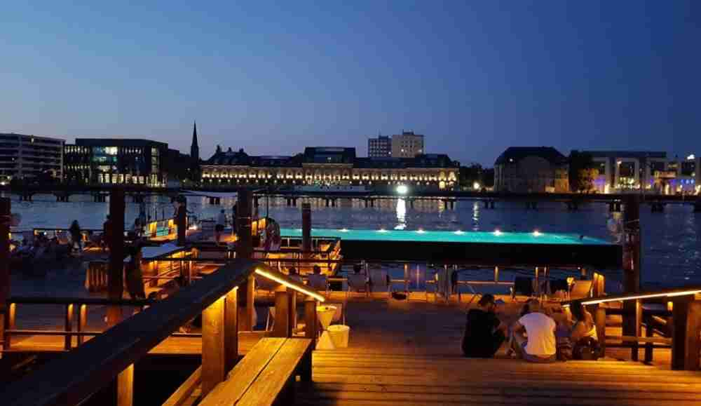 Badeschiff and Arena Club in Berlin in Deutschland