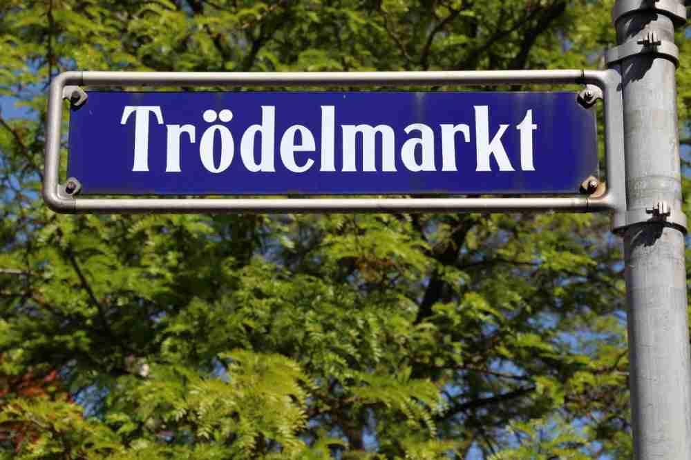 Original Berliner Trodelmarkt in Berlin in Deutschland
